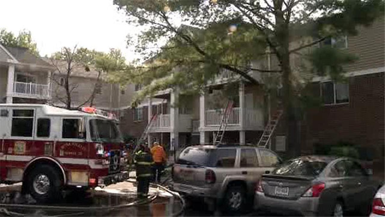 Balcony rescues reported in apartment building fire in Newark, Delaware