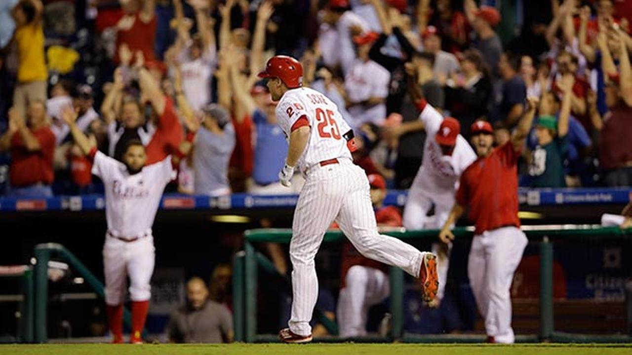 Asche's walk-off HR lifts Phillies past Cubs 7-5