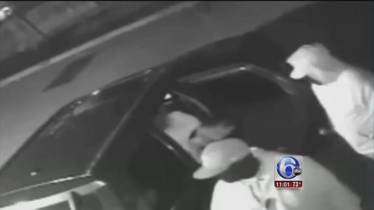 VIDEO: Trio wanted for burglaries