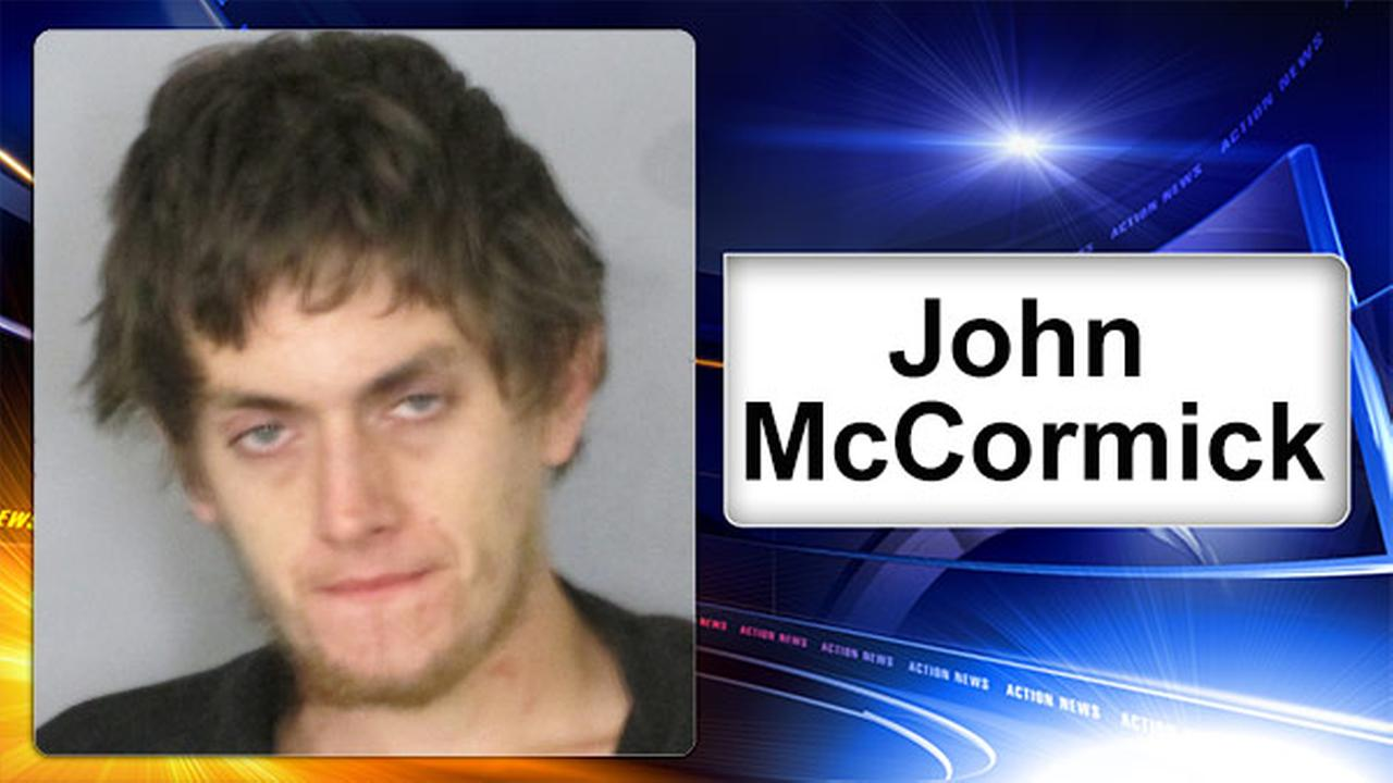 University of Delaware roommates hold burglary suspect for police