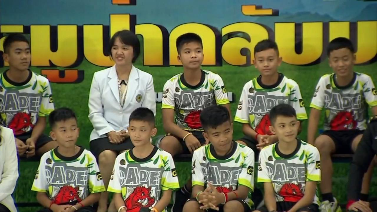 Thai youth soccer team meets with the media