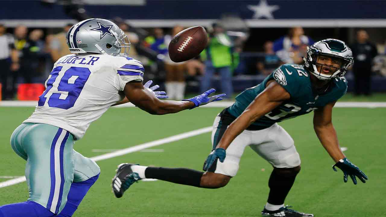 Dallas Cowboys wide receiver Amari Cooper (19) makes a 15-yard catch in front of Philadelphia Eagles cornerback Rasul Douglas (32) for a touchdown in overtime, Dec. 9, 2018.