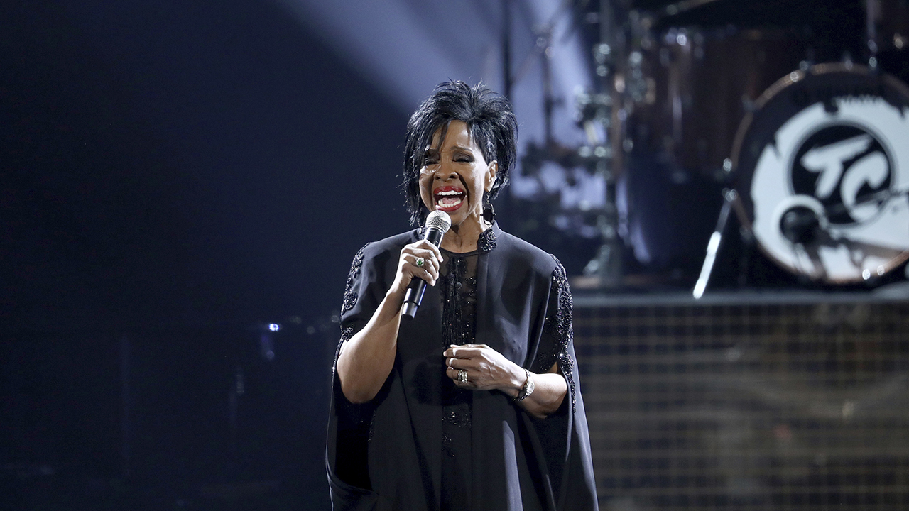 Gladys Knight performs Amazing Grace during a tribute to the late singer Aretha Franklin at the American Music Awards on Tuesday, Oct. 9, 2018.