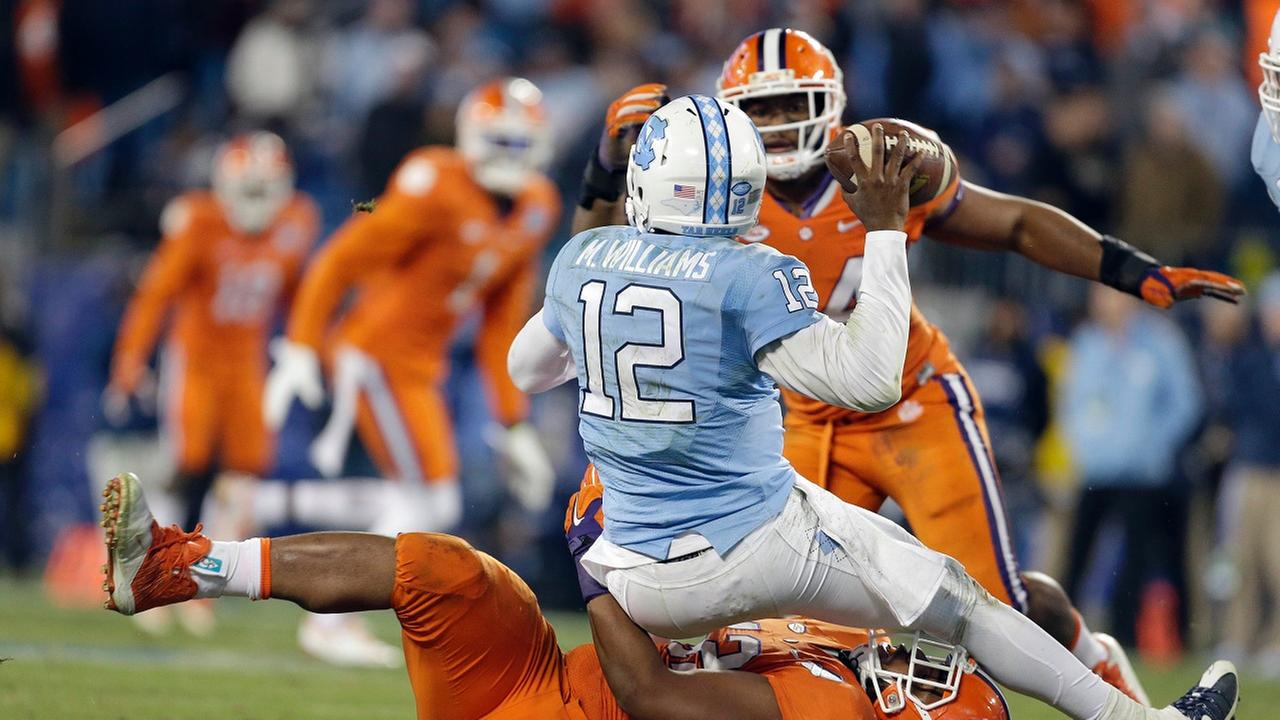 Clemsons Christian Wilkins tackles North Carolina quarterback Marquise Williams