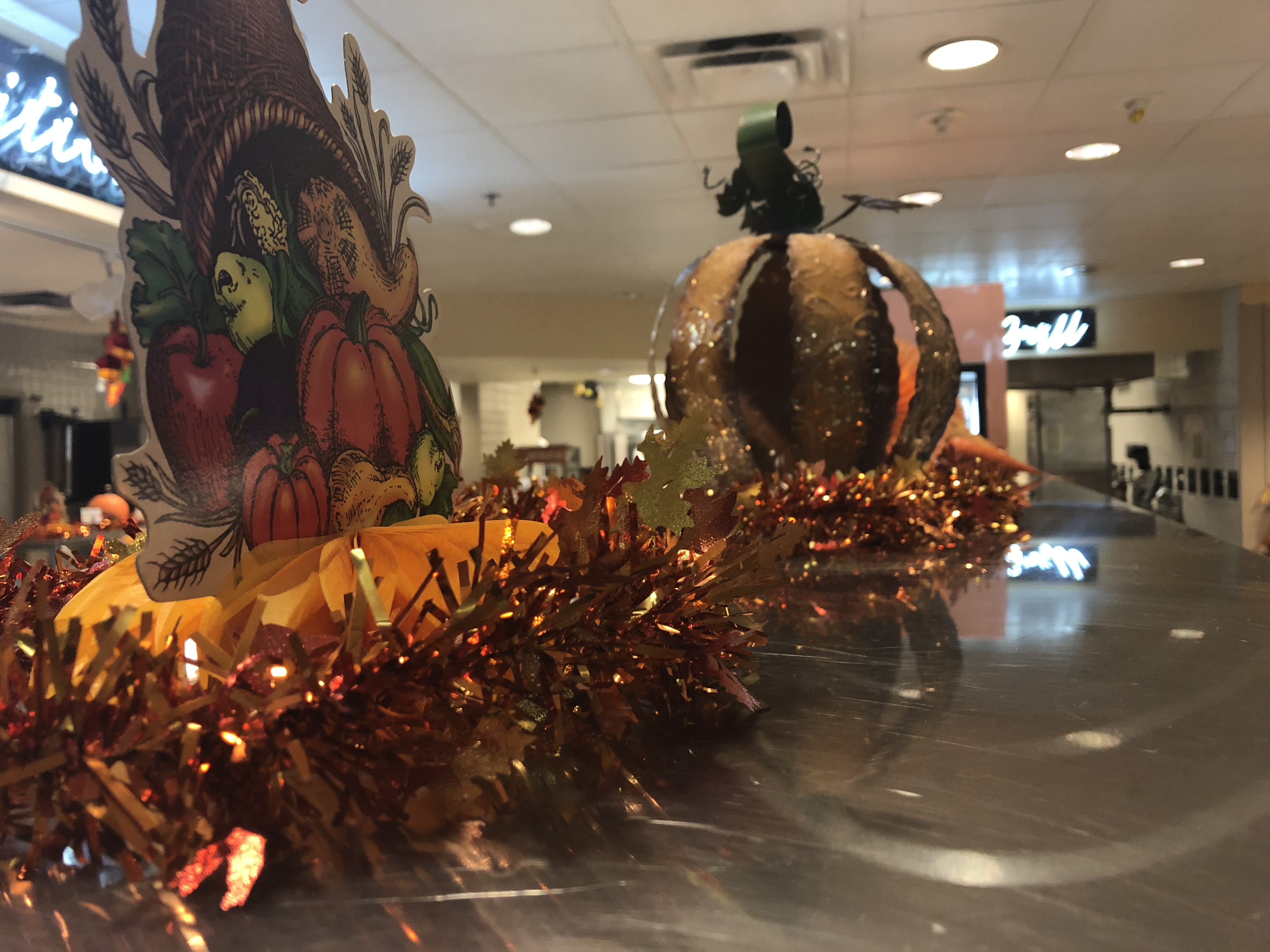 Fort Bragg soldiers prepare for a Thanksgiving feast.