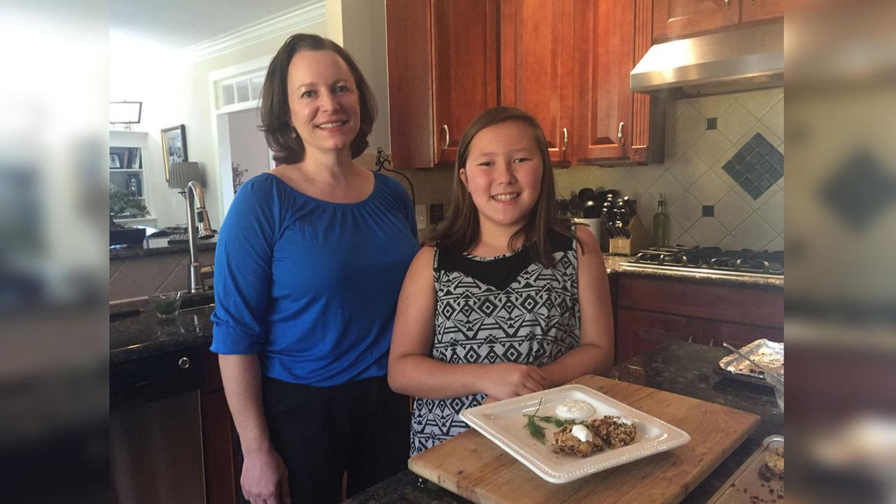Tracy Delozier and her Daughter Mena Choi with Menas winning dish for the White House Healthy Lunchtime Challenge.