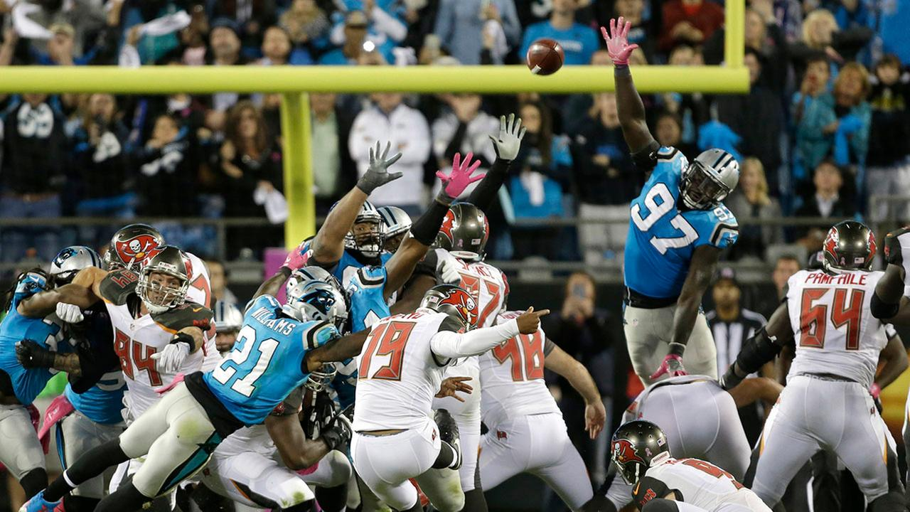 Tampa Bay Buccaneers Roberto Aguayo (19) kicks the game-winning field goal against the Carolina Panthers.