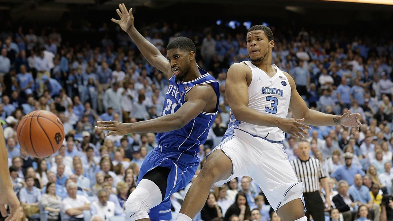 North Carolinas Kennedy Meeks (3) and Dukes Amile Jefferson (21) reach for the ball in Chapel Hill, N.C., Saturday, March 4, 2017.