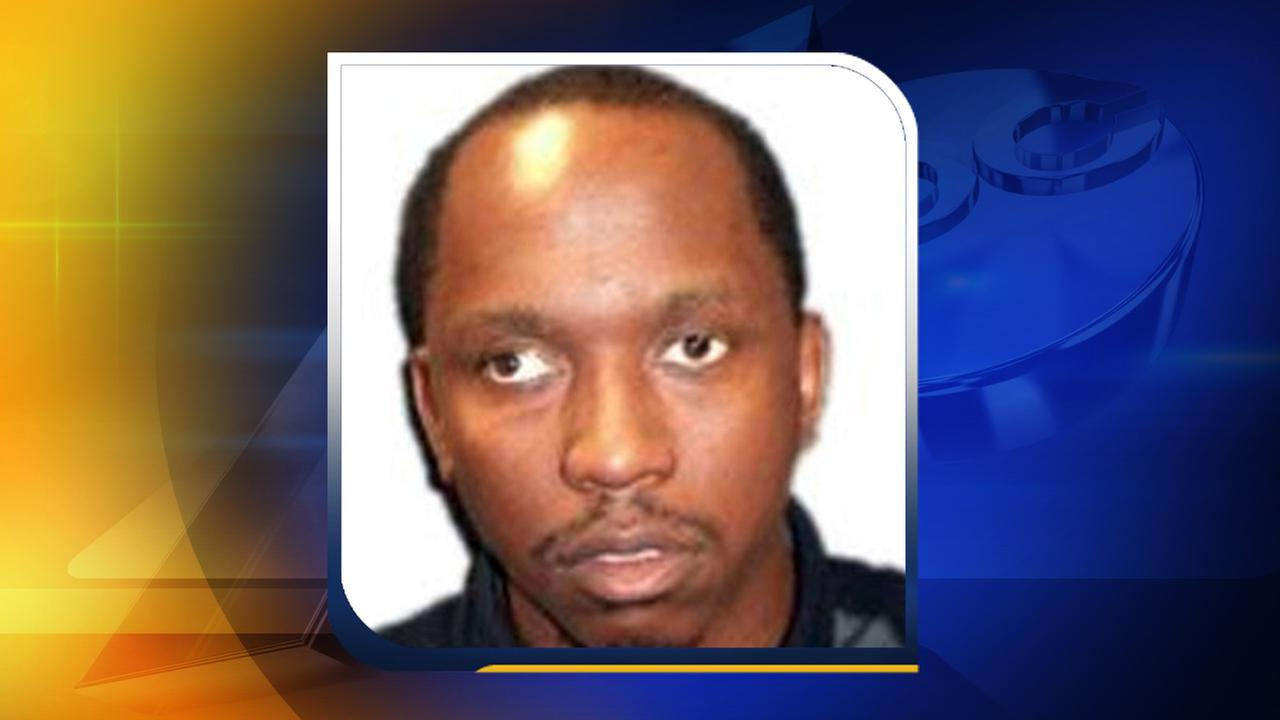 The FBI believes Elliott Avery Starks, 34, may be in Charlotte