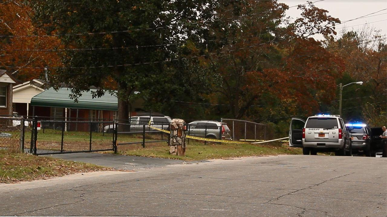Shooting at 4300 block of Forest View Drive in Fayetteville,