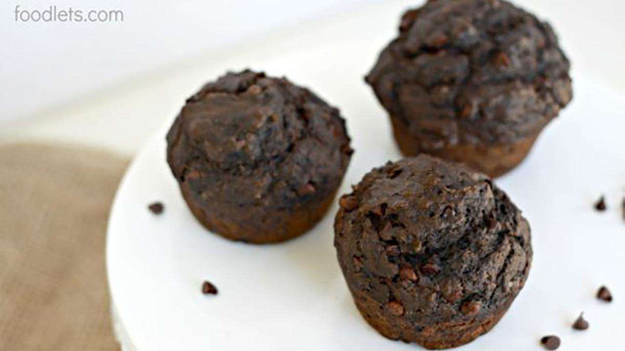 Magical double chocolate muffins (with 5 kinds of vegetables and fruit inside).