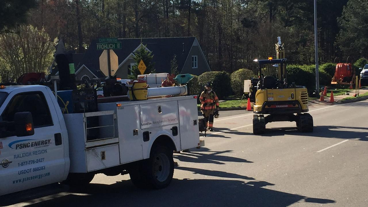 Gas leak that closed Cary Parkway controlled