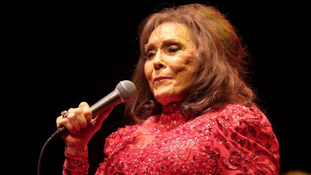 Loretta Lynn (AP image Owen Sweeney)