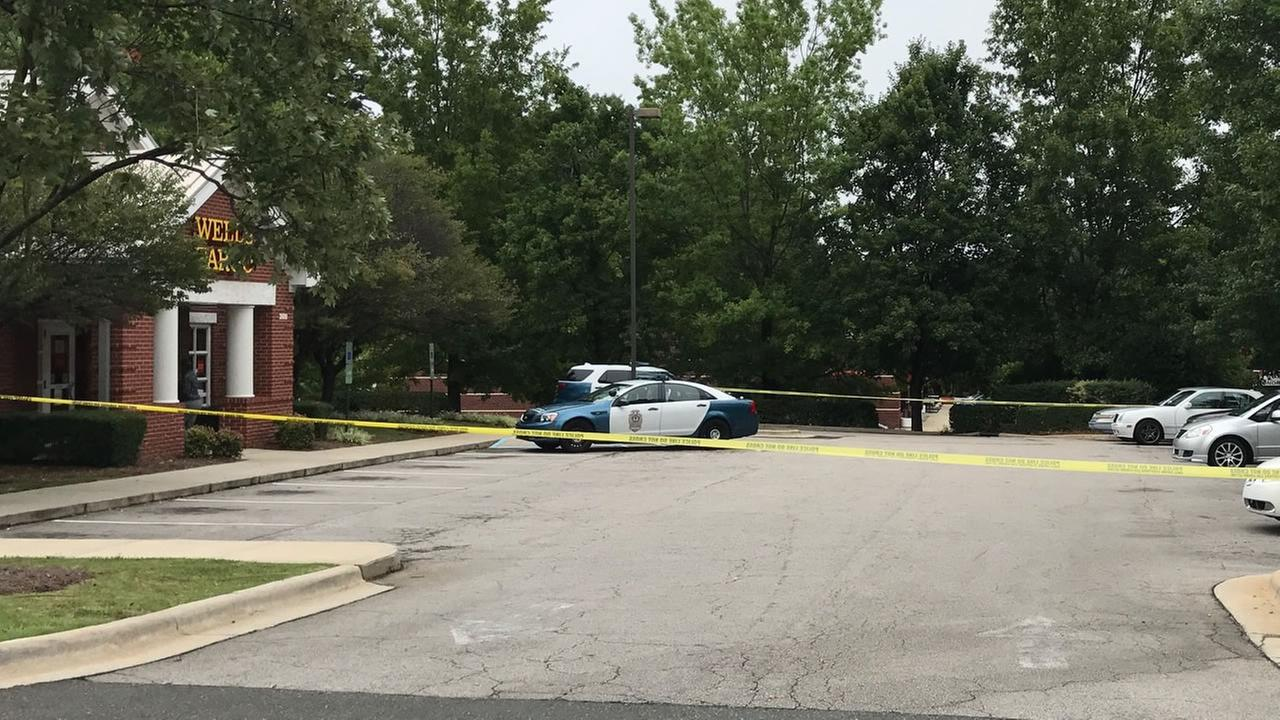 Raleigh police investigate at the scene (WTVD Photo/Shawn Replogle)