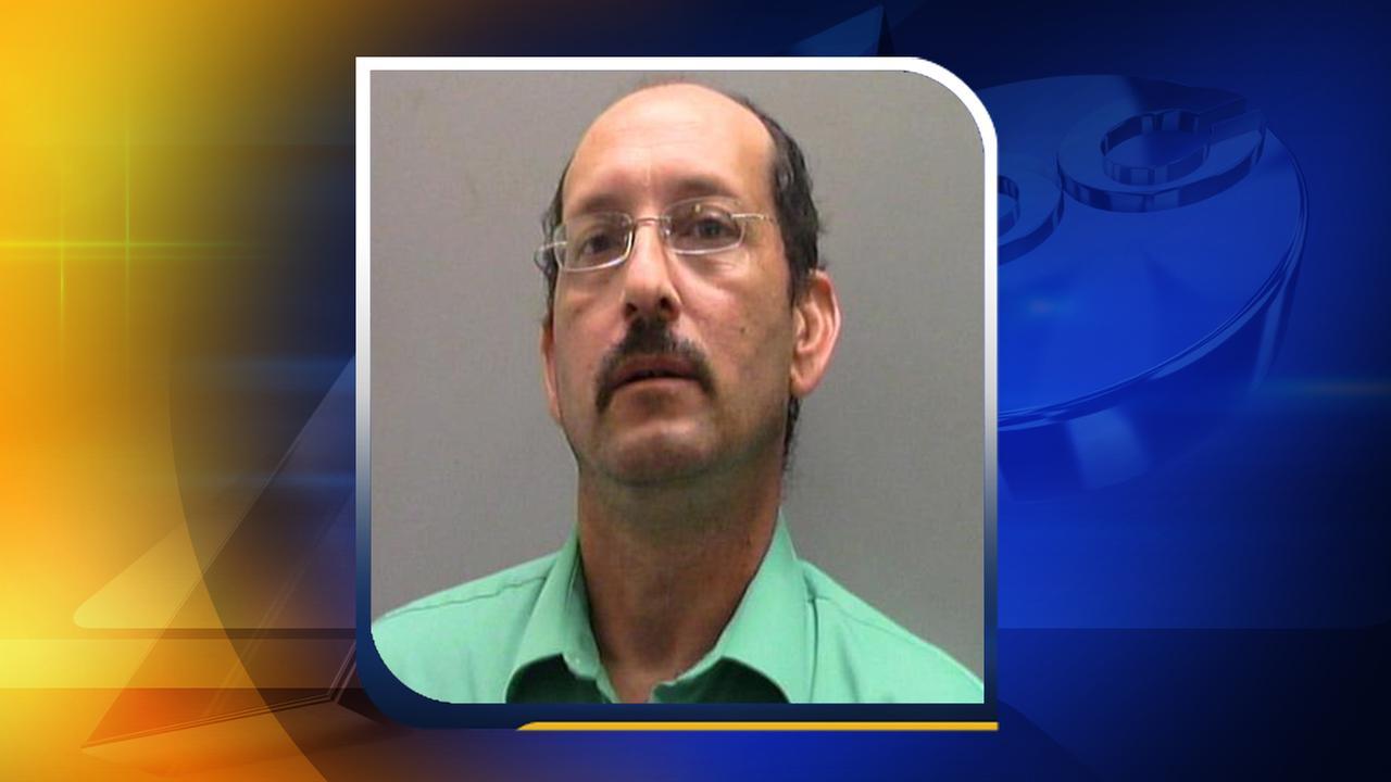 Rocky Mount man allegedly impersonates sheriffs deputy at a school