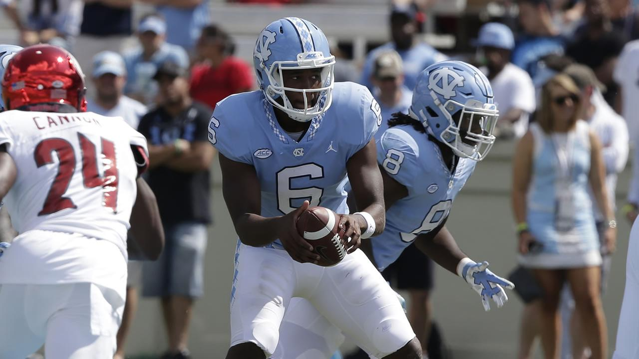 North Carolina quarterback Brandon Harris (AP photo/Gerry Broome)