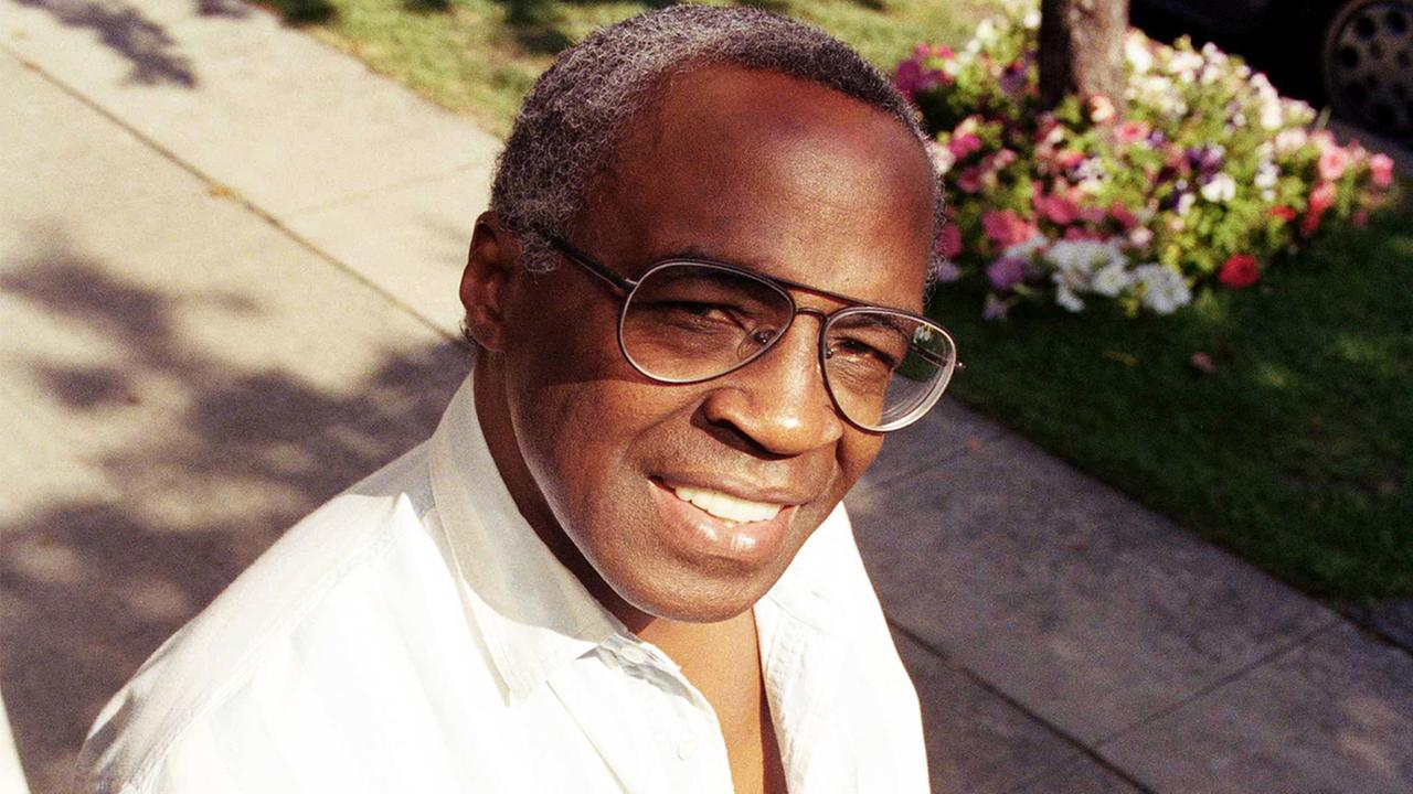 In this Sept. 4, 1991 file photo, actor Robert Guillaume poses for a portrait in Los Angeles.