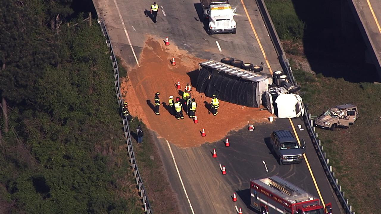 Dirt truck overturns, closes US-1 in Chatham County