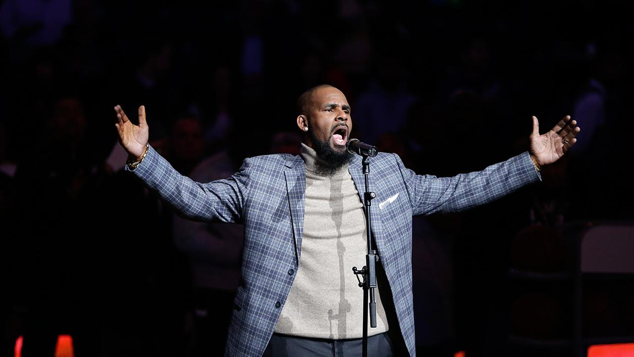 R. Kelly sings about troubles in revealing, lengthy new song I Admit