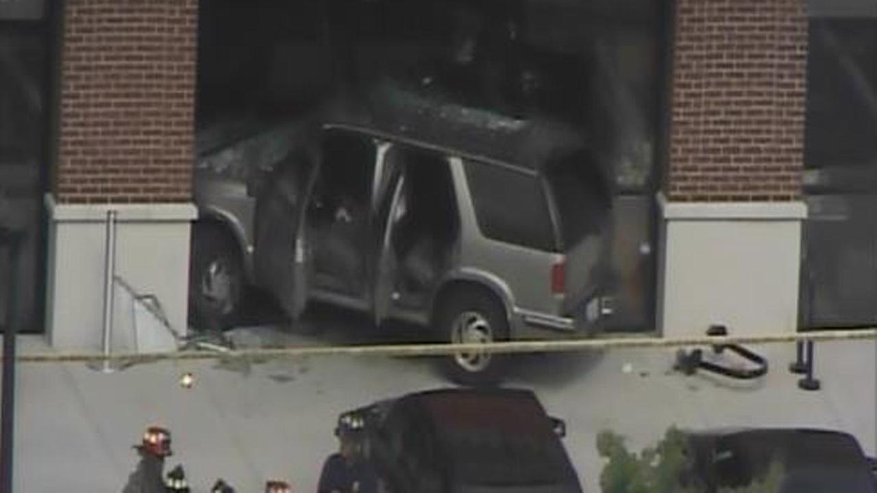 Car crashes into Dennys restaurant in Durham