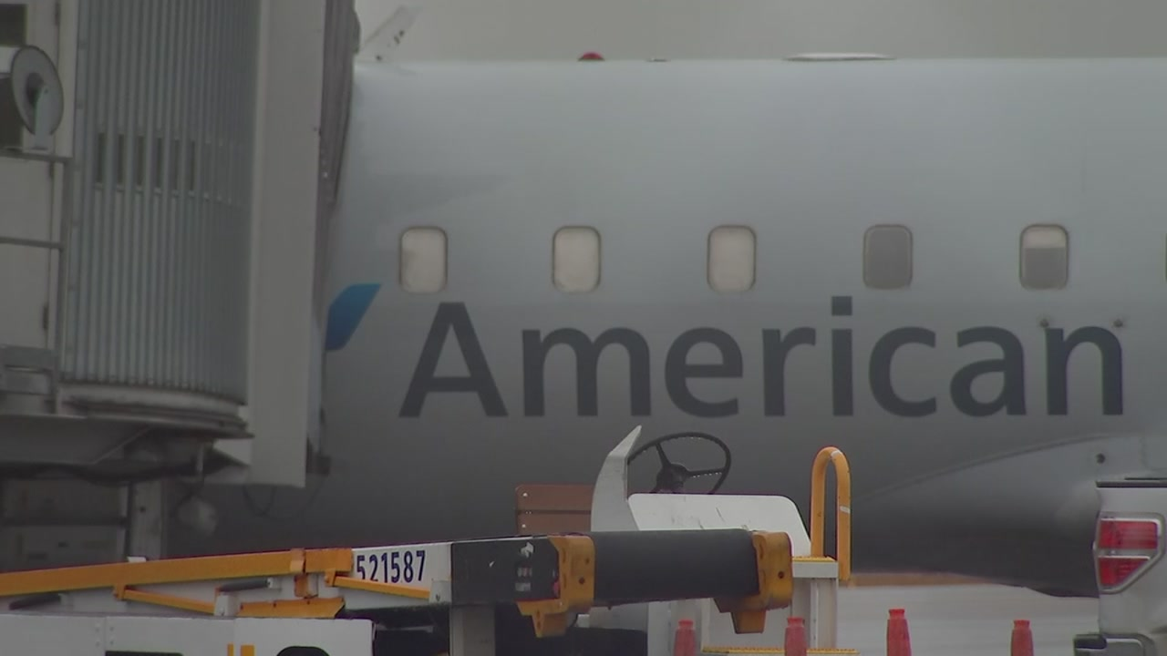 An airplane flying from Birmingham to Washington D.C. made an emergency landing in Raleigh on Friday morning.