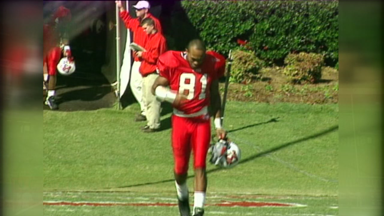 Former NC State wide reciever Torry Holt to be inducted to the College Football Hall of Fame