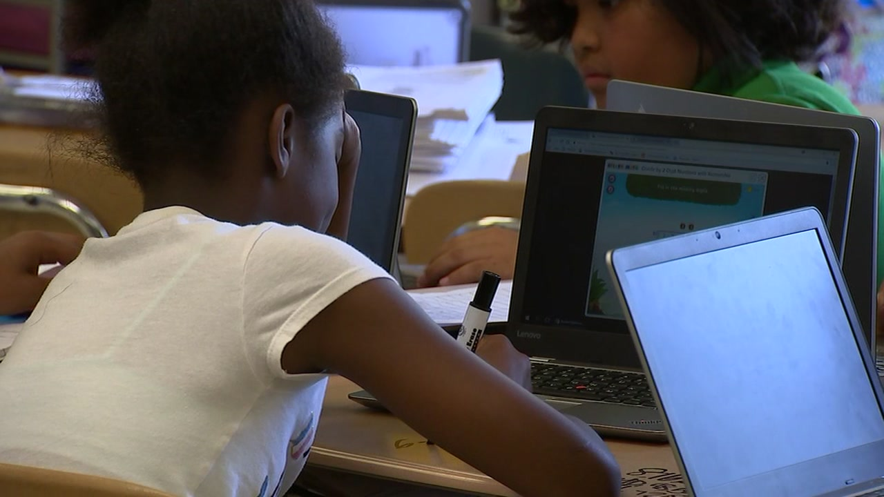 A software error caused public school students around North Carolina to receive incorrect end-of-term grades this school year, state education officials said.