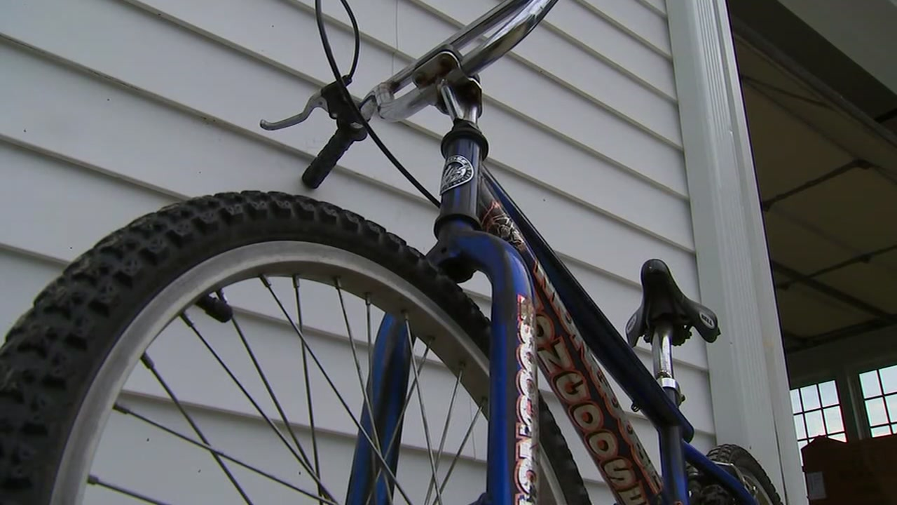 Troopers searching for car that hit 12-year-old riding bike in Johnston County