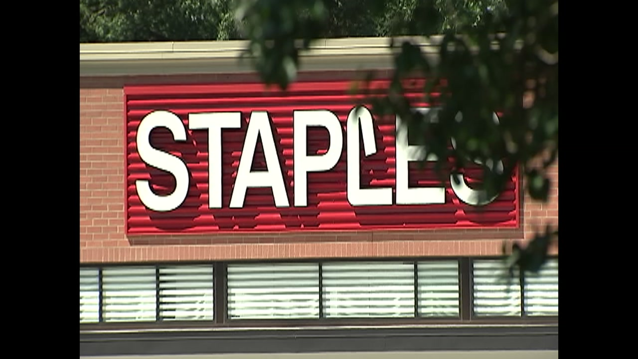 Staples fires manager who accused pregnant woman of shoplifting.