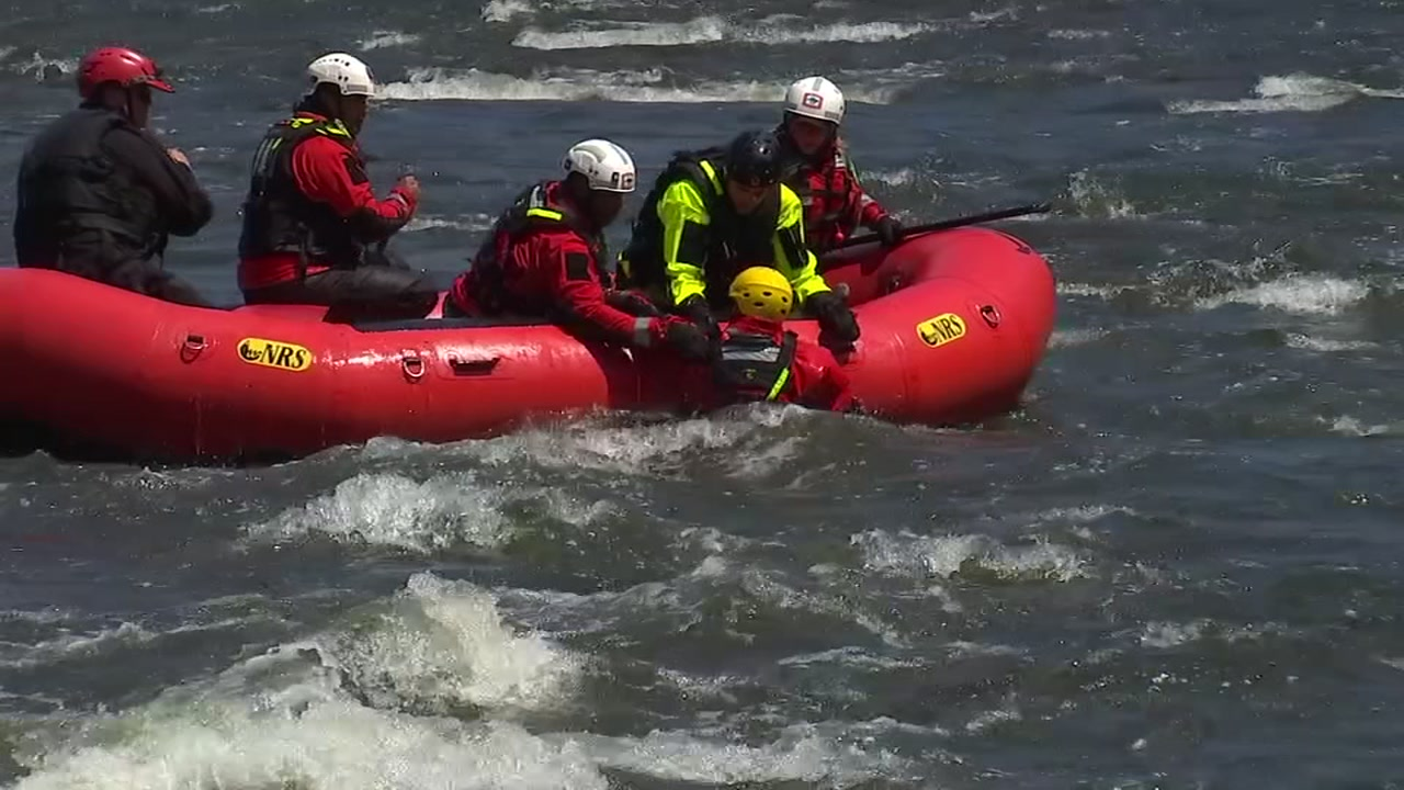 Raleigh firefighters use Neuse River to practice water rescues