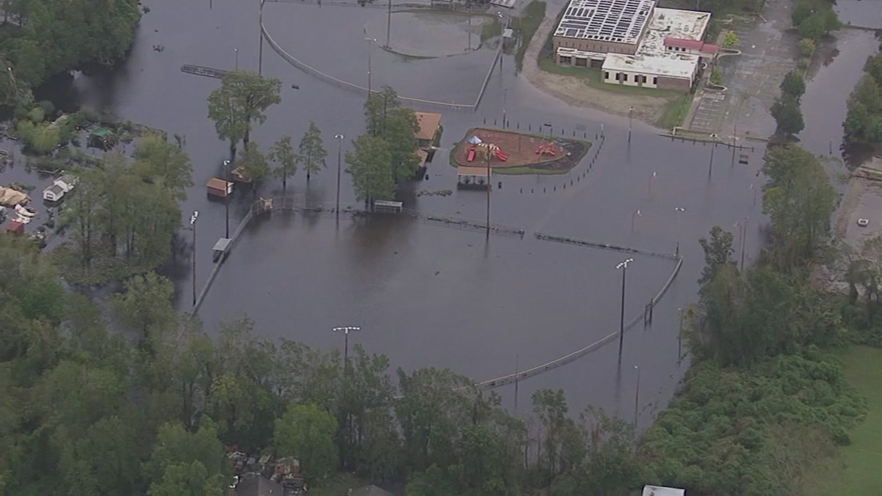Flood waters not receding in hard hit areas of New Bern, NC
