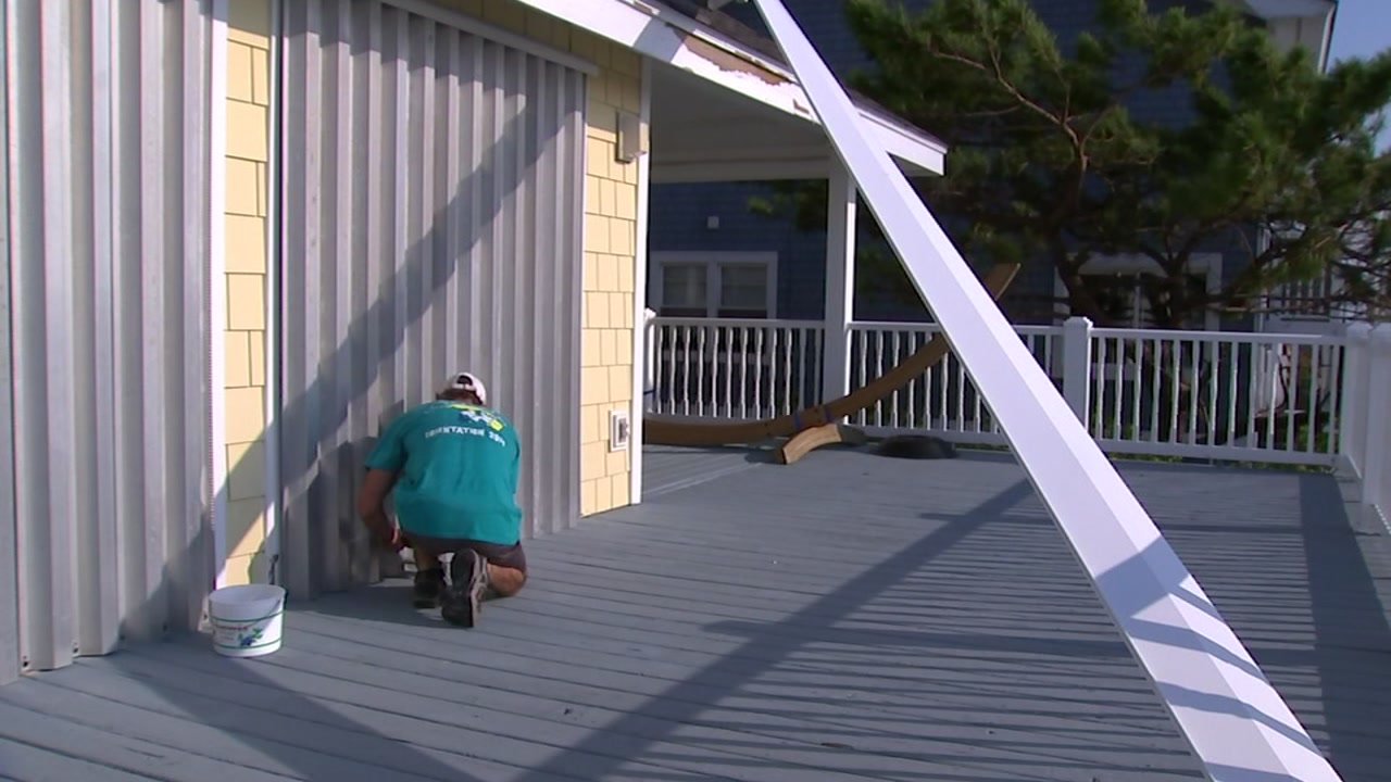 Despite the flooding aftermath of Florence, Wilmington residents work to get back to normalcy