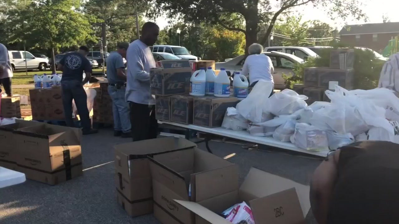 Spring Lake rallies to help those recoveirng from Hurricane Florence.