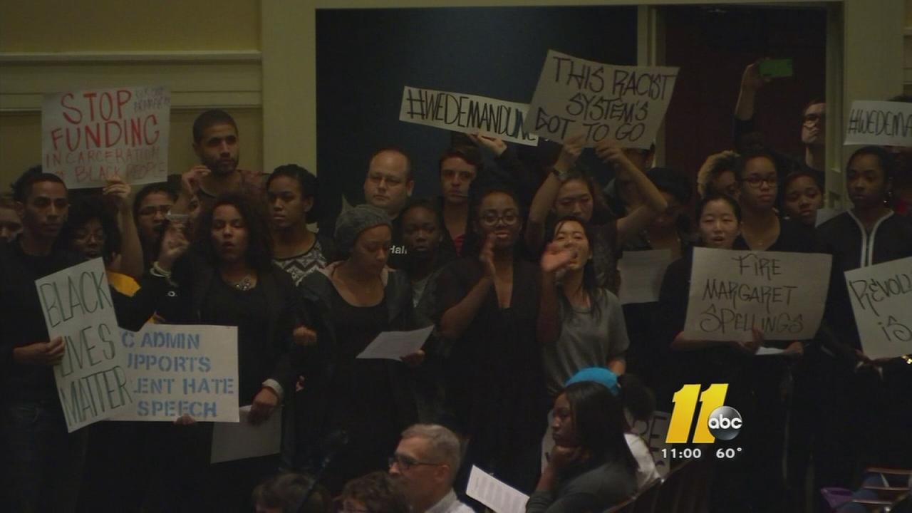 Students interrupt race meeting at UNC with lengthy demands