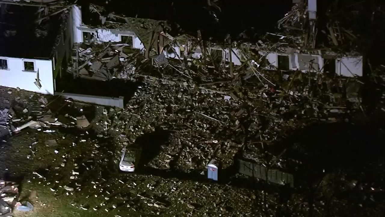Gas leak causes house explosion in Pennsylvania