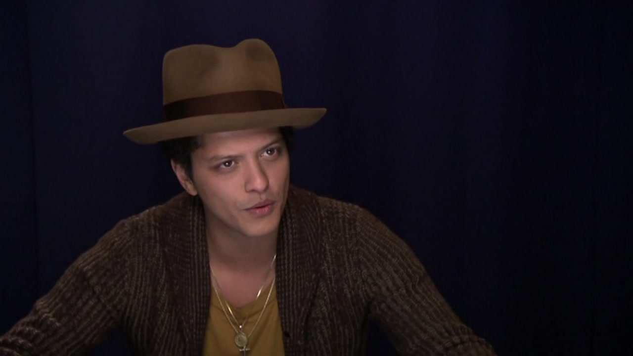 Bruno Mars will provide meals to 24,000 Hawaii residents in need for the Thanksgiving holiday.