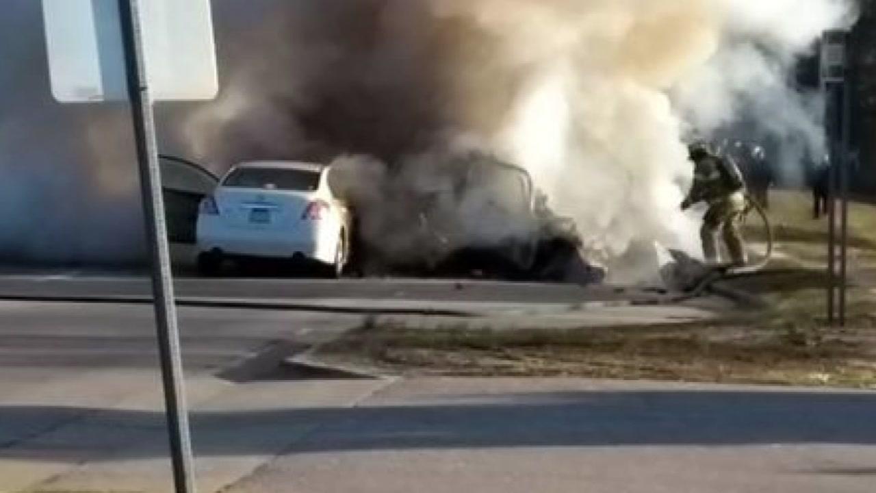 2 dead after multi-vehicle crash in Fayetteville