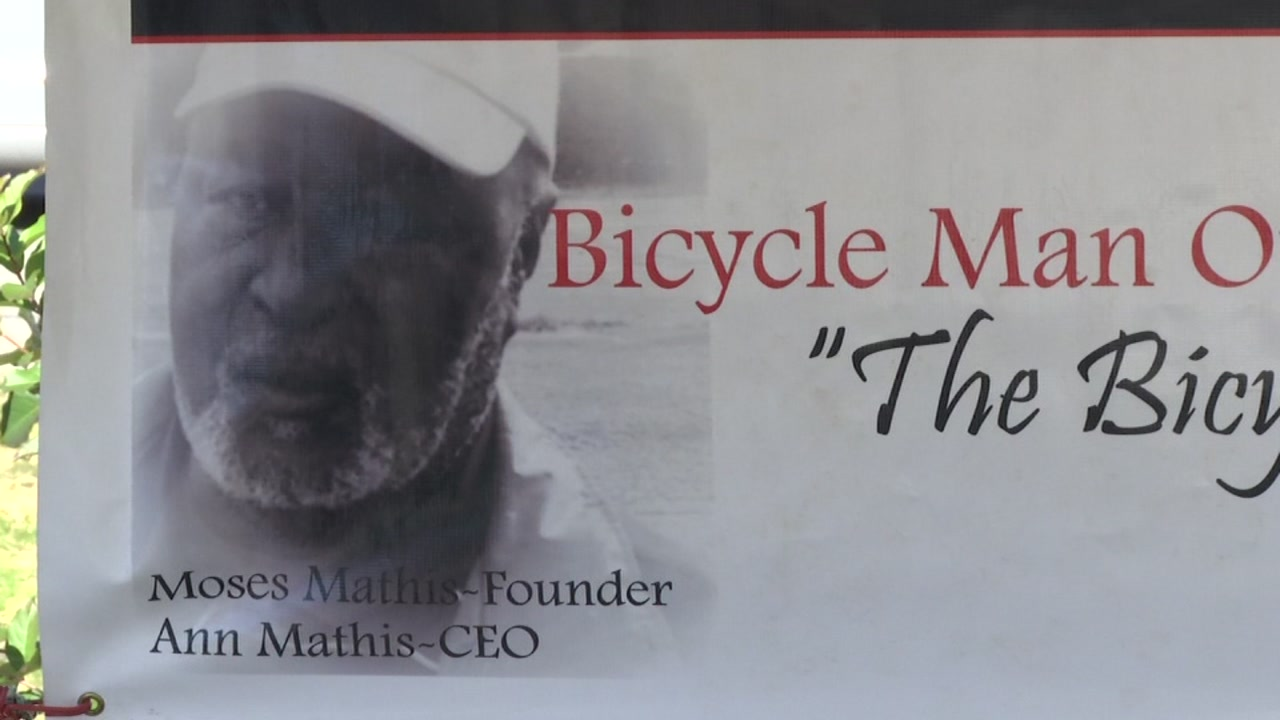 Fayettevilles Bicycle Man honored in bike drive