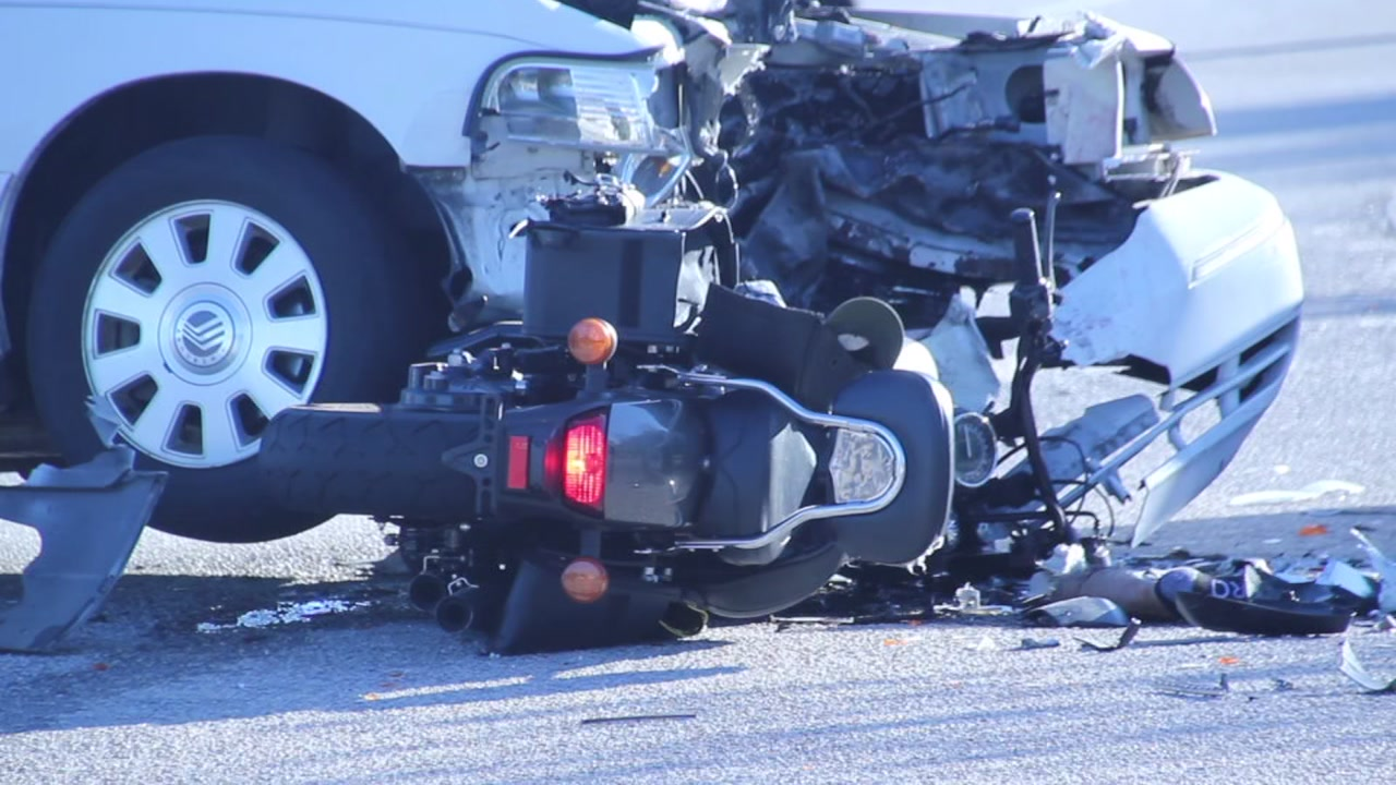 Motorcyclist dead, road closed after accident in Fayetteville
