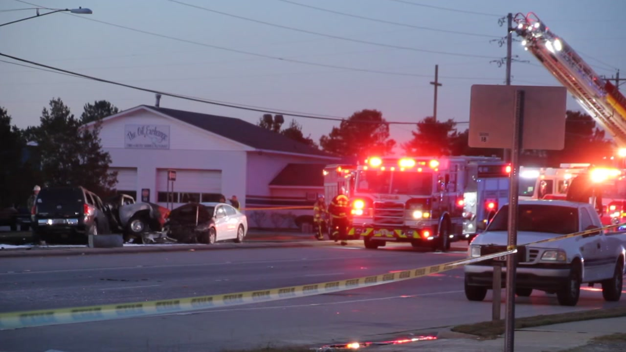 2 dead in multi-vehicle crash in Fayetteville
