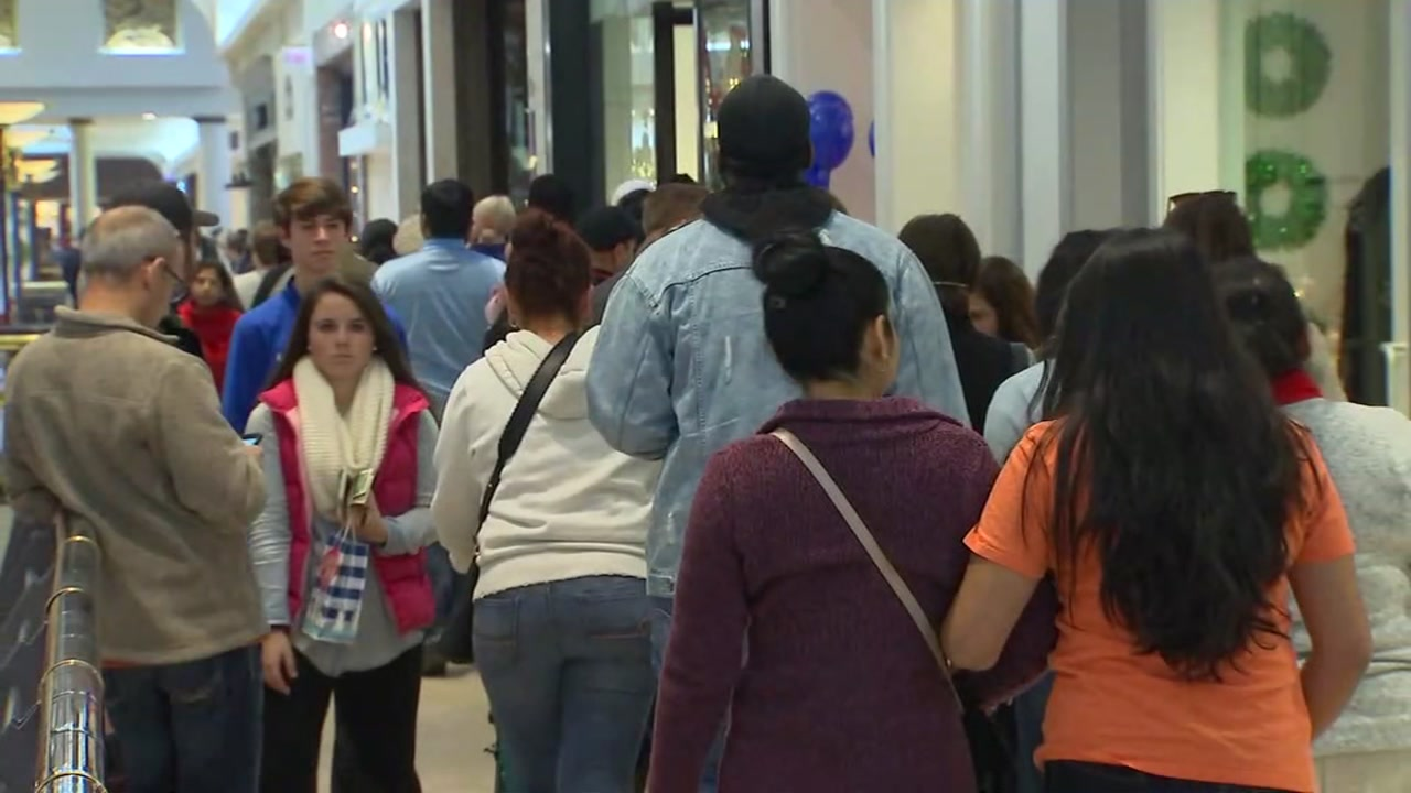 Shoppers take over Black Friday at Crabtree Valley Mall