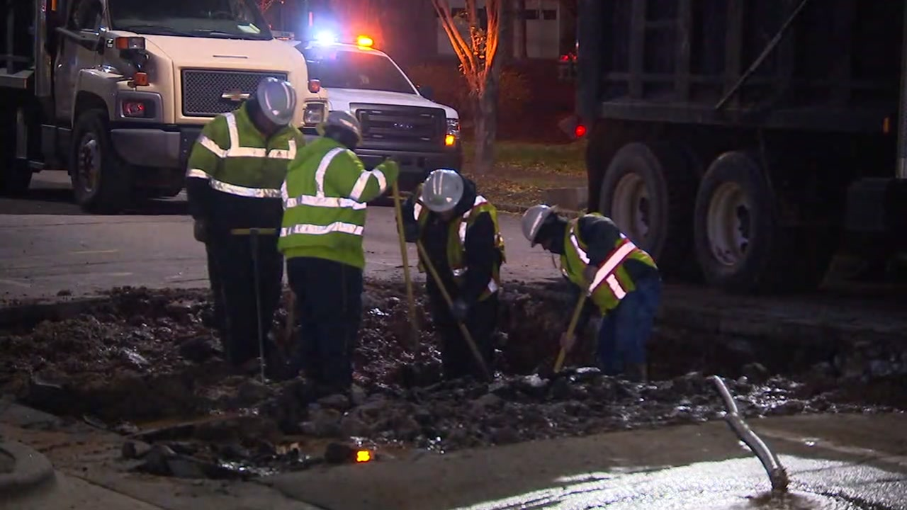 A water main that broke early Wednesday morning is causing commuters in downtown Raleigh to take a detour.