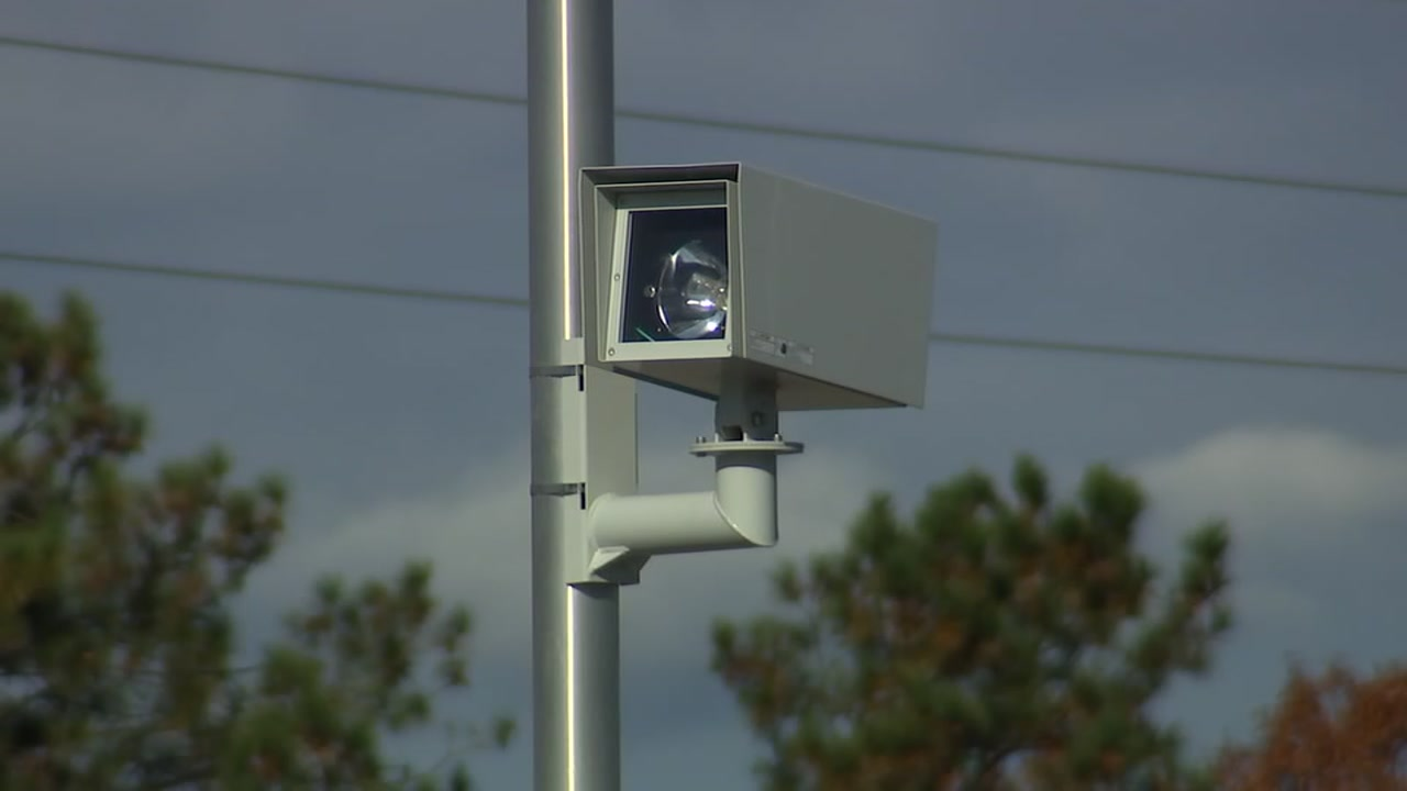 The red light camera controversy continues in North Carolina.