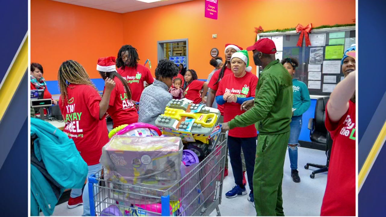 Tarboro native Todd Gurley and his family helped pay off about $6,000 of layaway items at Tarboros Walmart.