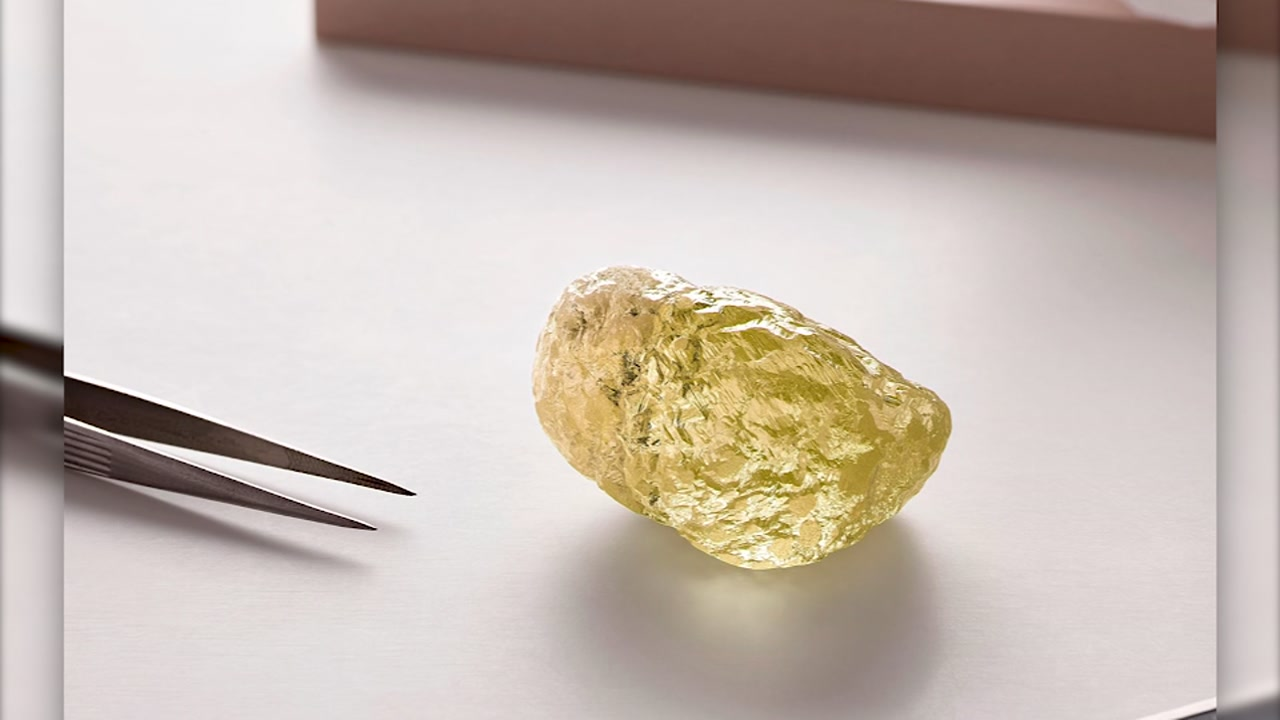 Largest known diamond in North America found in Canada
