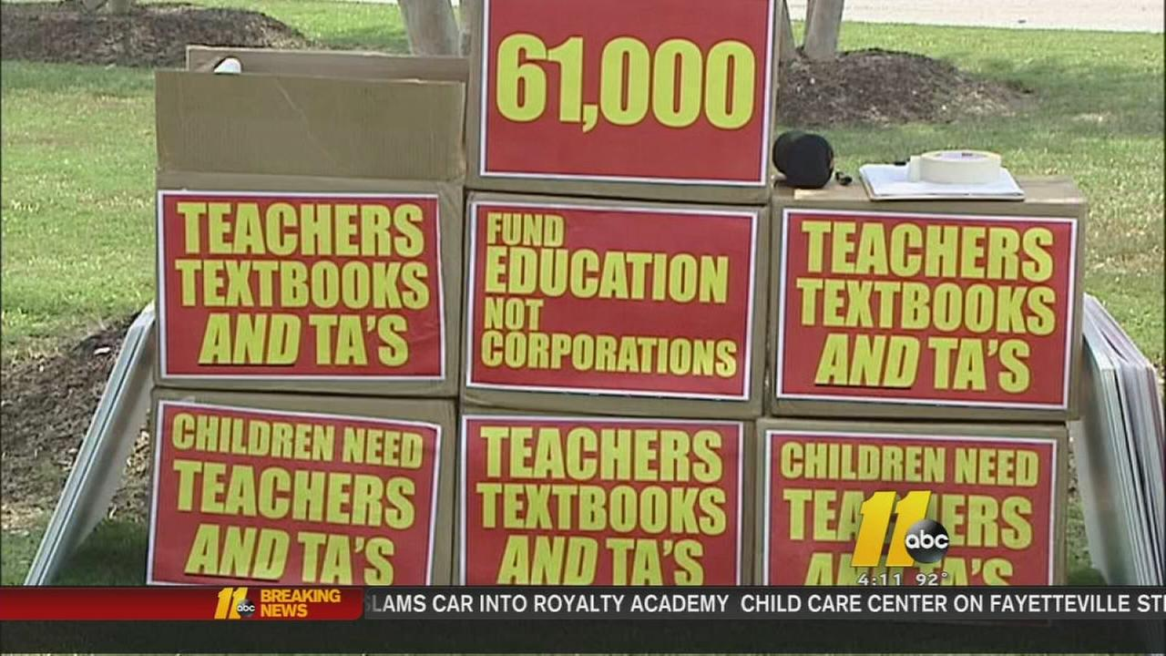 61,000 signatures heading to Raleigh for better teacher pay