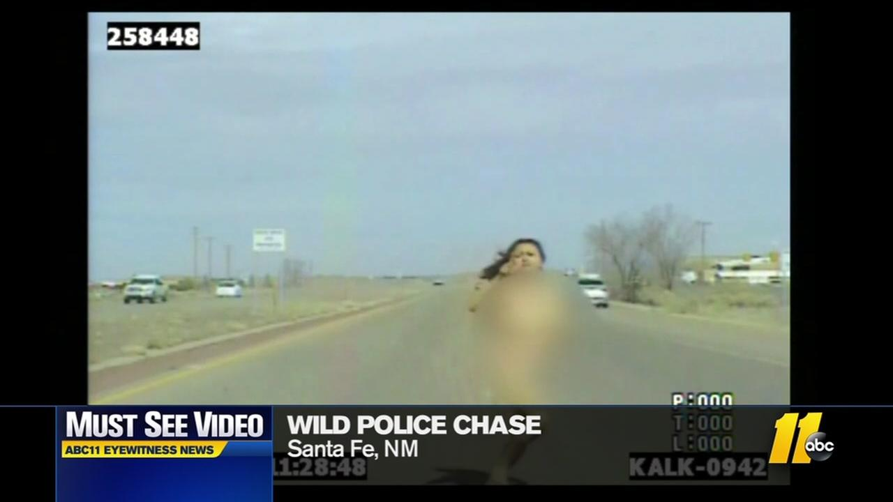 Must-see video: Naked police chase
