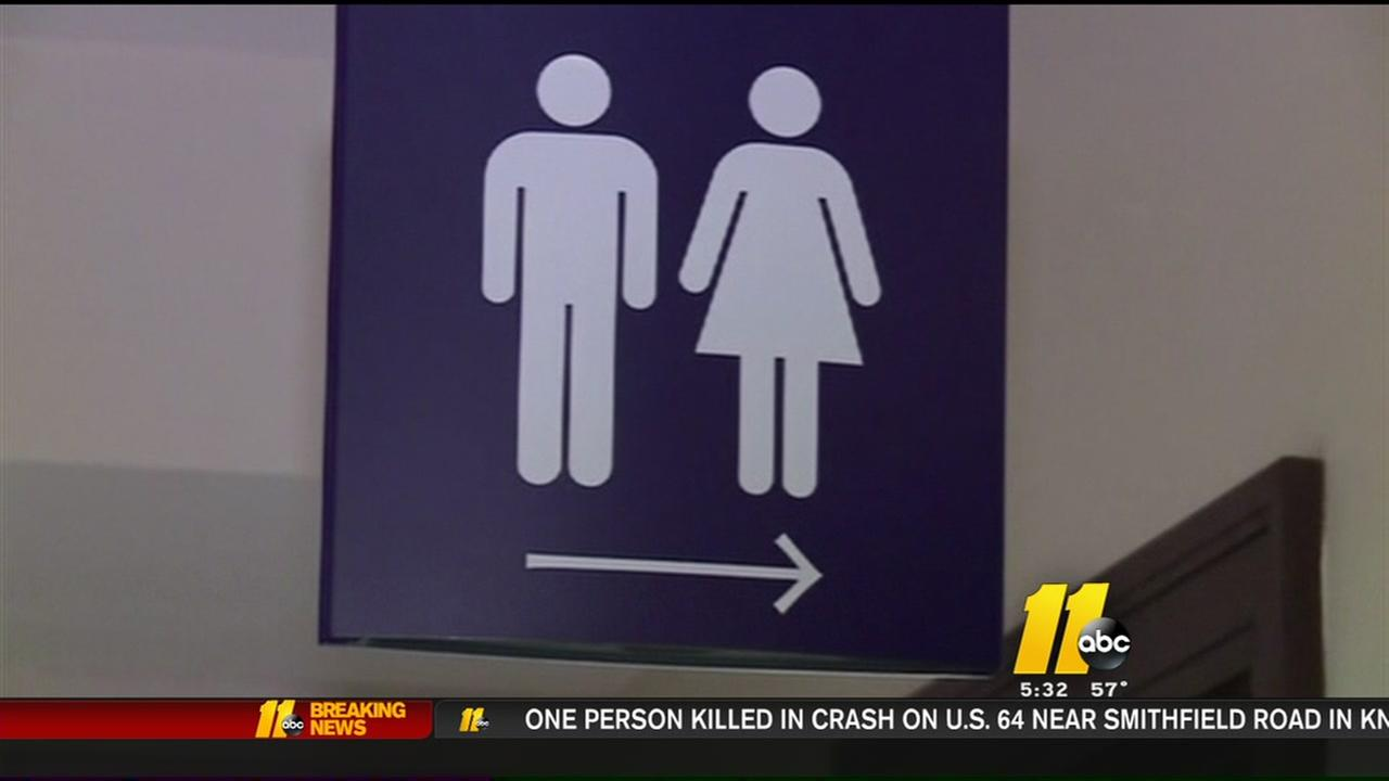 McCrory signs bill overturning transgender ordinance