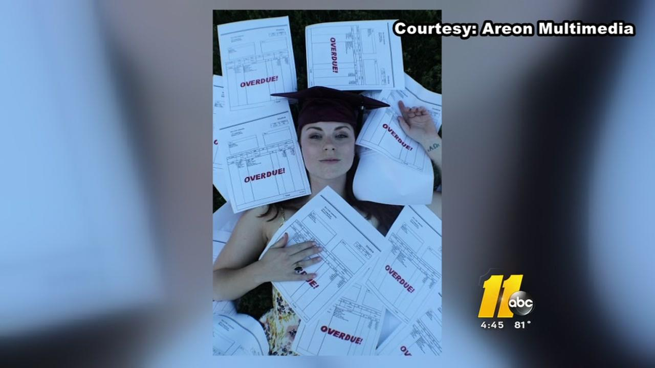 Meredith College students graduation pics go viral