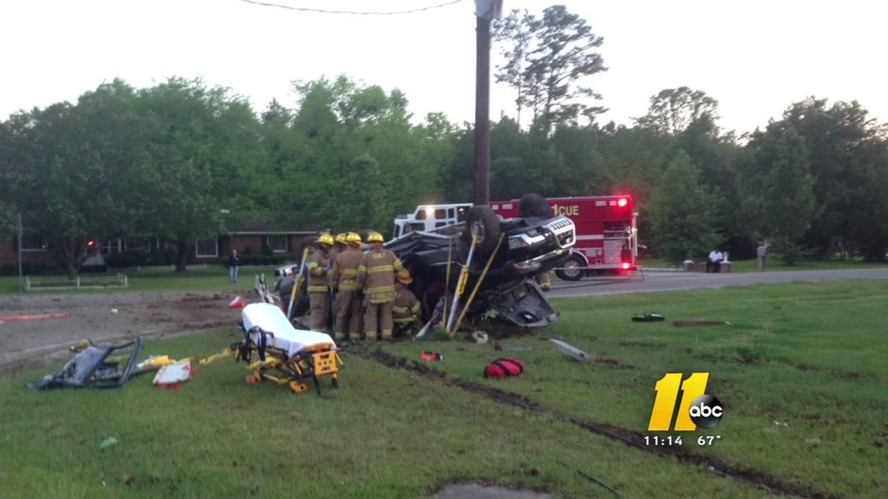 Driver pinned in crash in Johnston Co